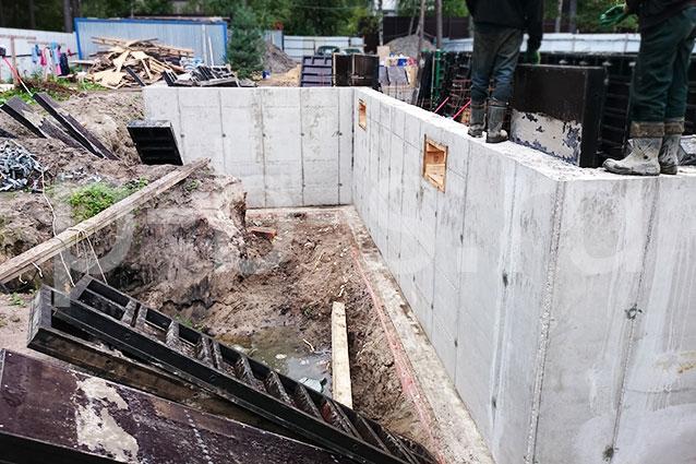 крупнощитовая опалубка стен